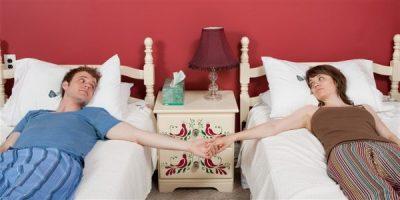 ZBULONI ARSYET/ Ja pse të martuarit duhet të flenë në krevate të ndara