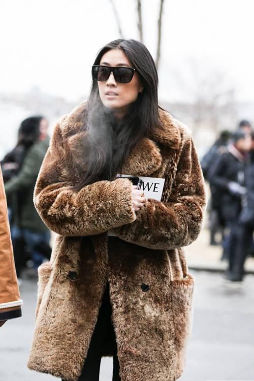 """NË DITËT E FTOHTA TË DIMRIT/ Ja disa ide """"outfitesh"""" për tu dukur bukur dhe komode (FOTO)"""