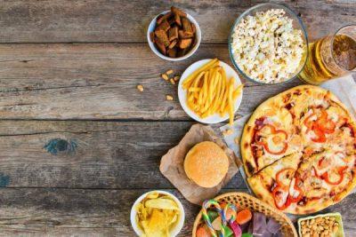 NGA ALKOLI TEK PATATET/ 5 ushqime që duhet të shmangni nëse doni të mbani kancerin larg
