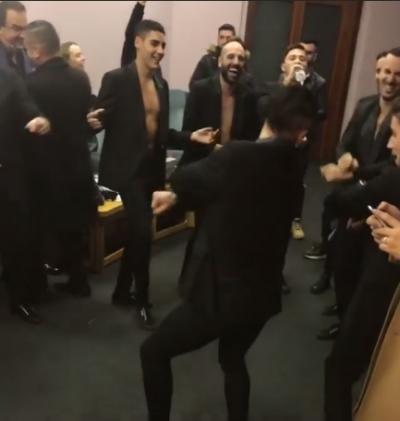 """FAJIN E KA ELI FARA DHE AURELA GAÇE/ """"Çmenden"""" 12 balerinët italianë që solli Klaudia Pepa (VIDEO)"""
