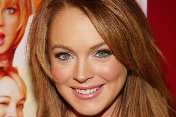 """PAS 6 VITESH PUSHIM/ Lindsay Lohan rikthehet me filmin """"Among The Shadows"""" (VIDEO)"""