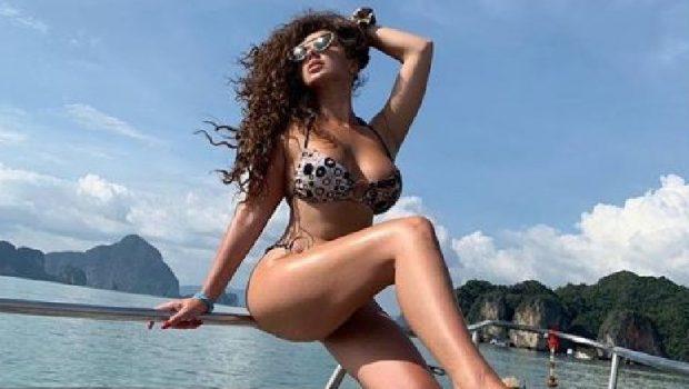 3000 EURO PËR NJË PUTHJE/ Këngëtarja shqiptare publikon ofertën e çmendur