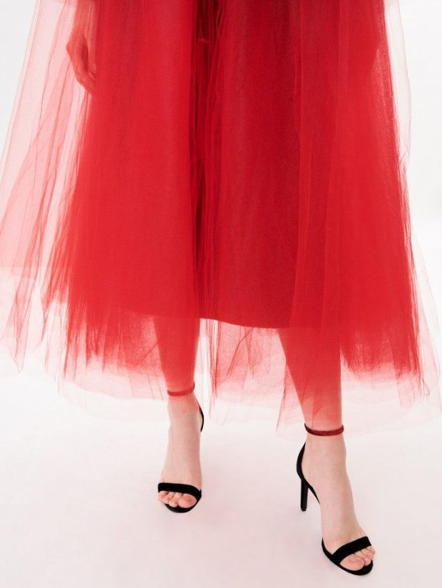 """VËMENDJE VAJZA/ Celine Dion sapo na bindi që na duhet një pallto """"tutu"""" (FOTO)"""