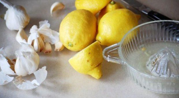 """""""BASHKIMI BËN FUQINË""""/ Receta e hudhrës me limon që pastron enët e gjakut për kohë rekord"""