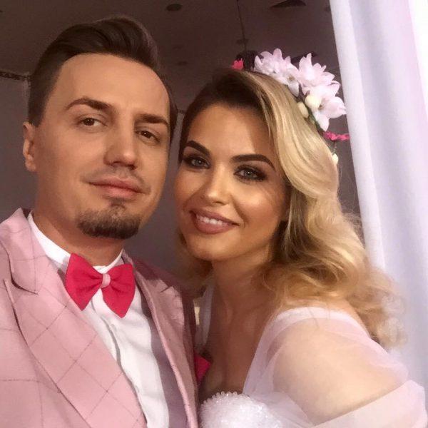 BËHUNI GATI/ Ja dasmat e të famshmëve shqiptarë që do të mbahen gjatë 2019: Nga Armina… (FOTO)