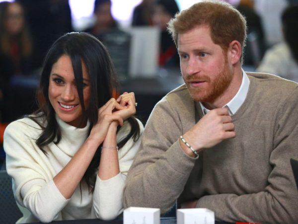 """ISHTE I SHOQËRUAR ME…/ Princ Harry lë bashkëshorten shtatzënë në shtëpi dhe shkon në """"pub"""""""