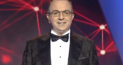 """PAS DEBATIT PËR FINALEN/ Ardit Gjebrea zbulon ndryshimin drastik që do bëjë në """"Kënga Magjike"""""""