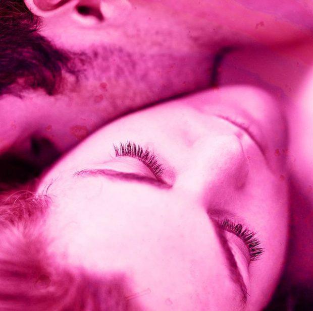 Pse puthjet në qafë shijojnë kaq shumë?
