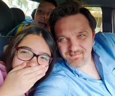 """""""REINA""""/ Julian Deda zbulon kuptimin e veçantë të emrit që i ka vendosur të bijës"""