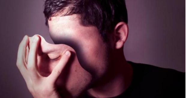 DO I KAPNI NË FLAGRANCË/ Ja disa mënyra për të dalluar një gënjeshtar