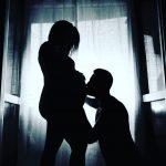 NJË MUAJ PASI U BËNË PRINDËR/ Çifti i njohur i showbiz-it shqiptar poston foton e parë të vajzës