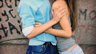 VAJZA KUJDES/ Ja cila është mosha e duhur për të humbur virgjërinë