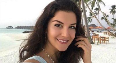 PASI U LARGUA NGA TELEVIZIONI/ Floriana Garo shfaqet seksi me bikini në Maldive (FOTO)