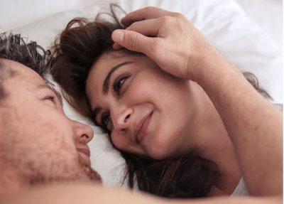 NGA SHPEJTËSIA TEK ORGAZMA/ Ja çfarë është seksi tantrik dhe pse konsiderohet kaq i rëndësishëm