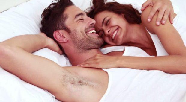 """""""KNOCK KNOCK""""/ Loja seksuale në shtrat që çdo çift duhet ta luajë"""