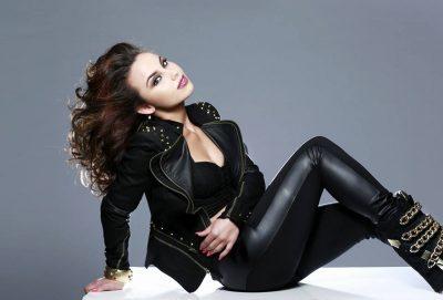 """""""AKOMA MË KA BORXH…""""/ Dy vite pas performancës në Eurovizion, Linda Halimi """"thumbon"""" TVSH-në (FOTO)"""