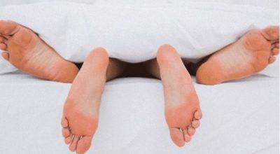 DONI TË MBETENI SHTATZËNË? Këto janë pozicionet seksuale më të mira