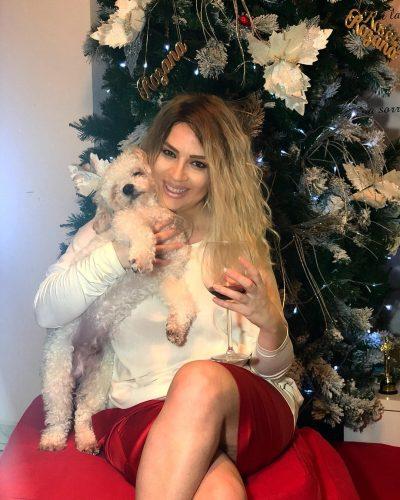 HARROJINI ME FLOKËT BJONDE/ Rozana Radi bëhet brune dhe ngjan komplet tjetër person (FOTO)