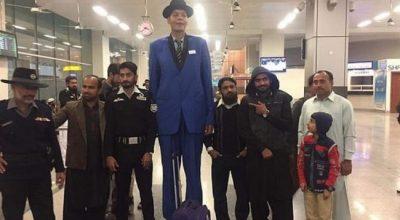 """""""E KA TË PAMUNDUR""""/ Burri i gjatë dy metra e gjysmë nuk gjen dot të dashur (FOTO)"""