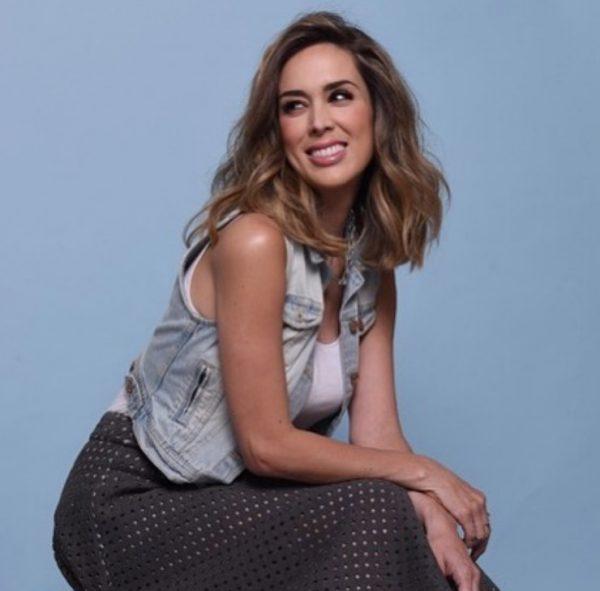 NJË MUAJ PAS LINDJES/ Aktorja spanjolle shfaqet në formë perfekte fizike (FOTO)
