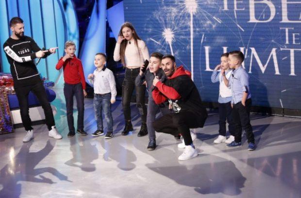 "ËNDRRAT I BËHEN REALITET/ ""West Side Family"" surprizon fansat e vegjël (FOTO)"