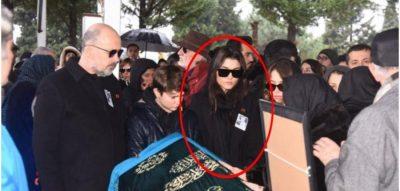 E TRISHTË/ Aktorja e njohur turke i jep lamtumirën e fundit njeriut më të dashur (FOTOT)