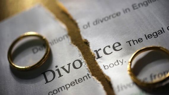 DIVORCI/ Evolucioni dhe ritualet e çuditshme të shkurorëzimit në histori