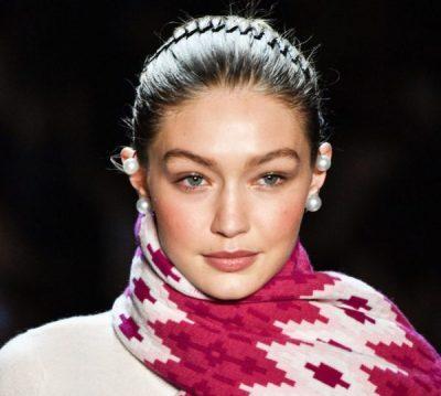 E KISHIM HARRUAR/ Aksesori më i përdorur i flokëve në vitet '90 rikthehet sërish në modë