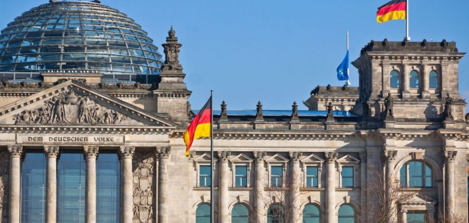 HYN NË FUQI LIGJI/ Njerëzit interseksualë në Gjermani mund të identifikohen si një gjini e tretë