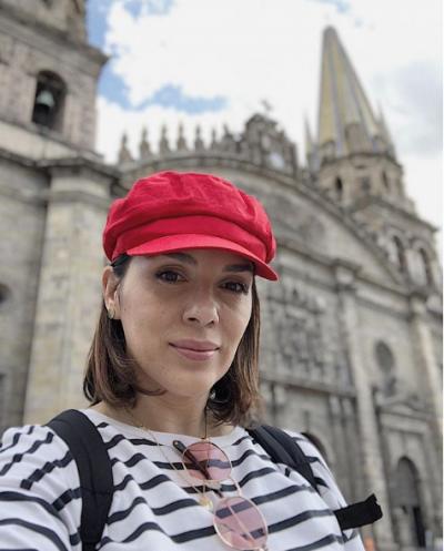 """""""HOQA NJË DREQ TUMORI""""/ Blogerja shqiptare tregon pse u largua drejt Amerikës (FOTO)"""