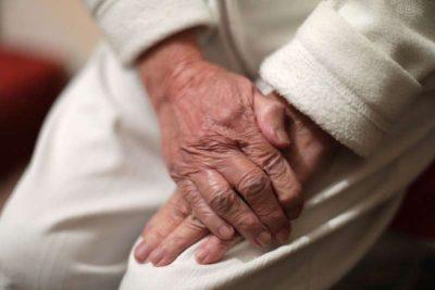 PAS 61 VITESH KËRKIME/ Gjen gjallë nënën 103 vjeçare
