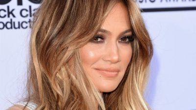 NUK QENKA SIÇ MENDONIM/ Jennifer Lopez publikon foton pa make up