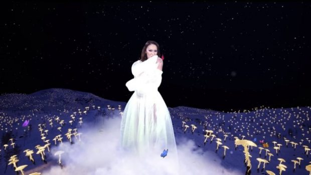 NA BEFASOI/ Adelina Ismaili rikthehet me një këngë të re dhe zbulon kujt ja ka dedikuar (FOTO)