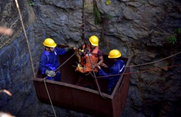 U BLLOKUAN NË MINIERË NJË MUAJ MË PARË/ Gjendet trupi i një prej 14 minatorëve