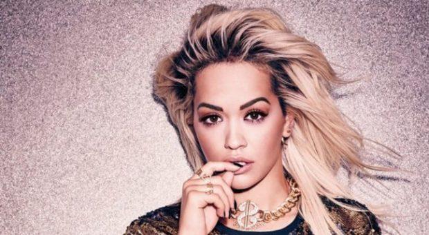 PËR MOMENTIN I SHPËTON BURGUT/ Rita Ora nën hetime për reklama mashtruese online