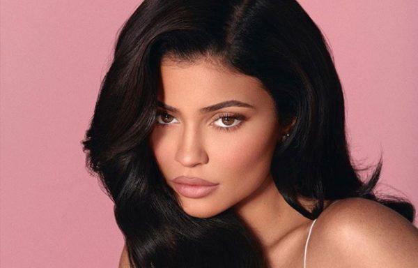 NUK NDALET/ Kylie Jenner është tani 600 milionë dollarë më e pasur
