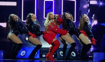 PO KAP TË 50-TAT/ Për Jennifer Lopez mosha nuk shfaq pengesa (FOTO)