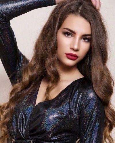JO VETËM VAJZË E BUKUR/ Miss Shqipëria bën gjestin human dhe prek zemrat e të gjithëve