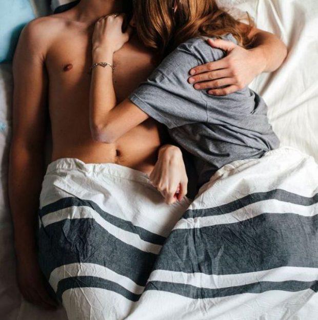GJUHA E TRUPIT TË TIJ ËSHTË SEKRETI/ 5 shenja që po flini me një tradhtar