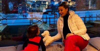 SI RRALLËHERË/ Rudina Magjistari tregon kush është kujdesur për rritjen e vajzës (FOTO)