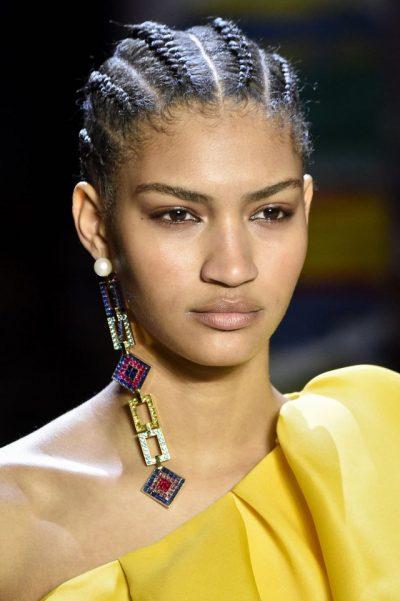 DO TA URRENI OSE DO TA ADHURONI/ Ky është trendi më i ri i vathëve
