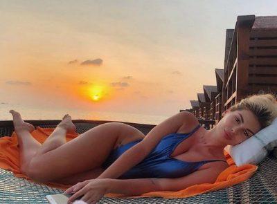NË MALDIVE ME KRENARIN/ Luana poston foton por pendohet dhe e fshin direkt