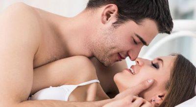 PËR NJË SEKS PASIONAT/ Zbatoji këto 3 lëvizje dhe do të jesh më e mira që ai ka pasu në shtrat