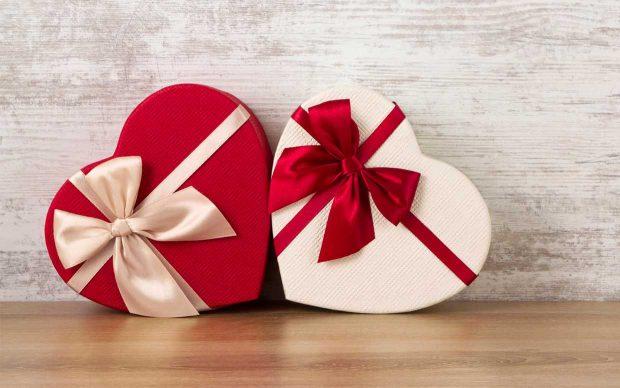 """SIPAS SHENJËS SË HOROSKOPIT/ Këto janë dhuratat ideale për """"Shën Valentin"""""""