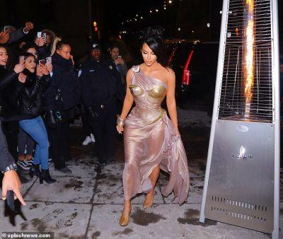 DIÇKA NUK SHKONTE/ Ja pse Kim Kardashian u tall nga të gjithë në daljen e fundit publike (FOTO)
