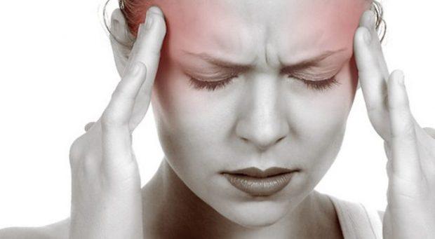 SIPAS STUDIMIT/ Migrena mund t'ua shkaktojë një problem më të madh shëndetësor grave