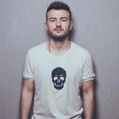 """PRITET BASHKËPUNIMI I RI/ Ardian Bujupi """"sjell"""" këngëtarin e famshëm në Shqipëri"""