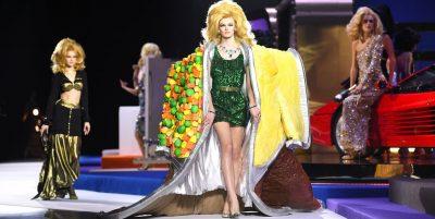 """JAVA E MODËS NË MILANO/ """"SHFAQJA E LOJËS"""". Moschino prezanton koleksionin e vjeshtës (FOTO)"""
