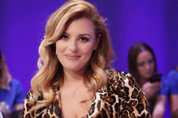 """JURIA MAHNITET/ Anxhela Peristeri konkurron në """"X Factor Greqia"""" (FOTO+VIDEO)"""