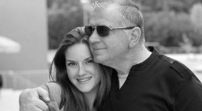 U PËRLOTËM/ Dedikimi prekës i Ajola Xoxës për babain: Kam një dhimbje therëse sikur shpirti t'më jetë çarë…